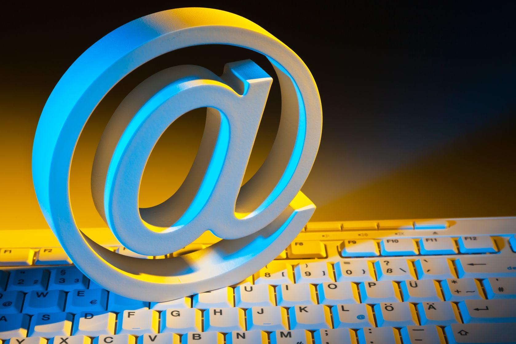¿Cómo crear una firma de correo personalizada?