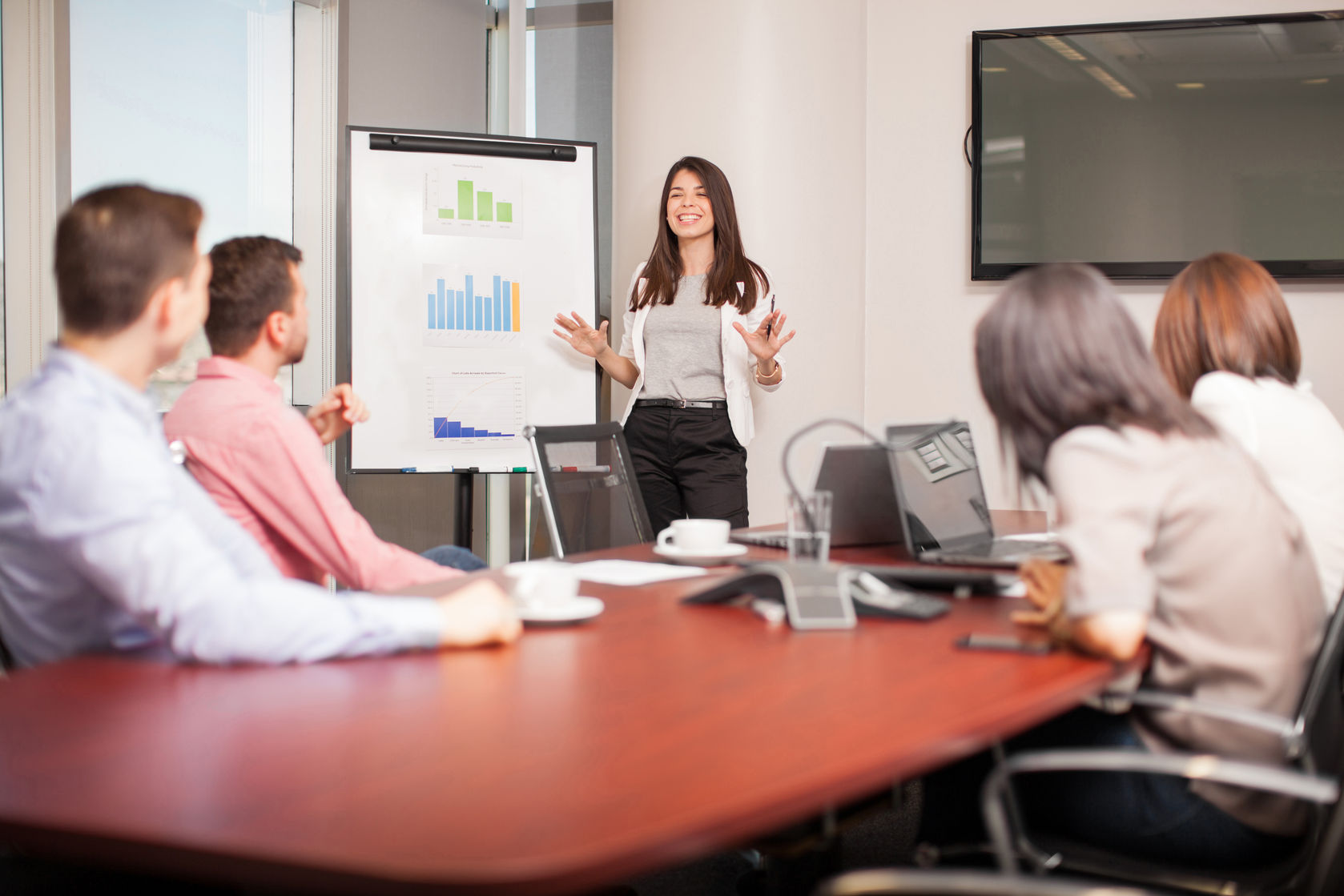 ¿Cómo mejorar el rendimiento del departamento de ventas?